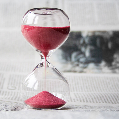 glass-hourglass-hours-square